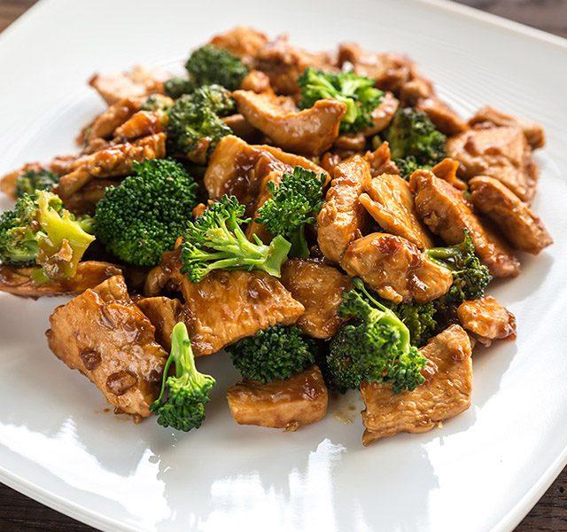Asiatisches Hähnchen mit Brokkoli
