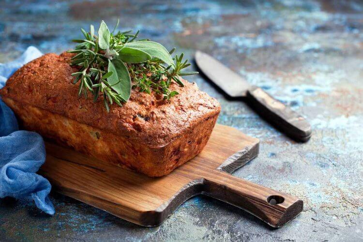Schinken-Käse-Zwiebel-Brot