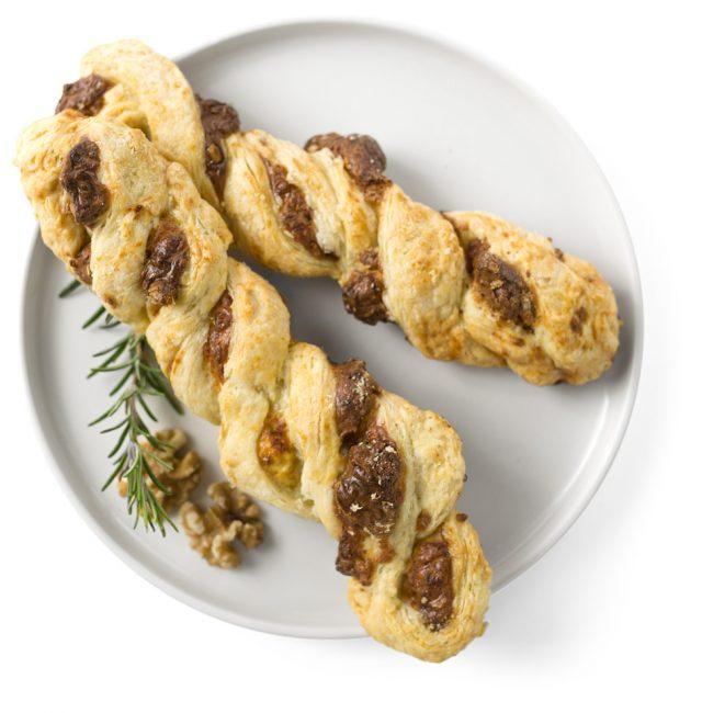 Walnuss-Käse-Blätterteig-Stangen