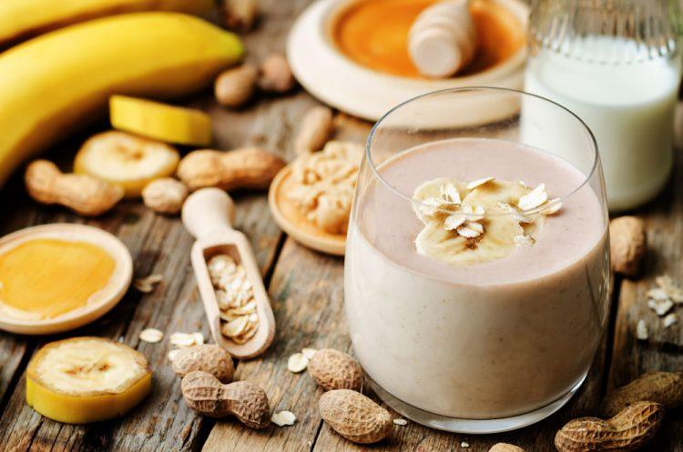Bananen-Erdnuss-Creme
