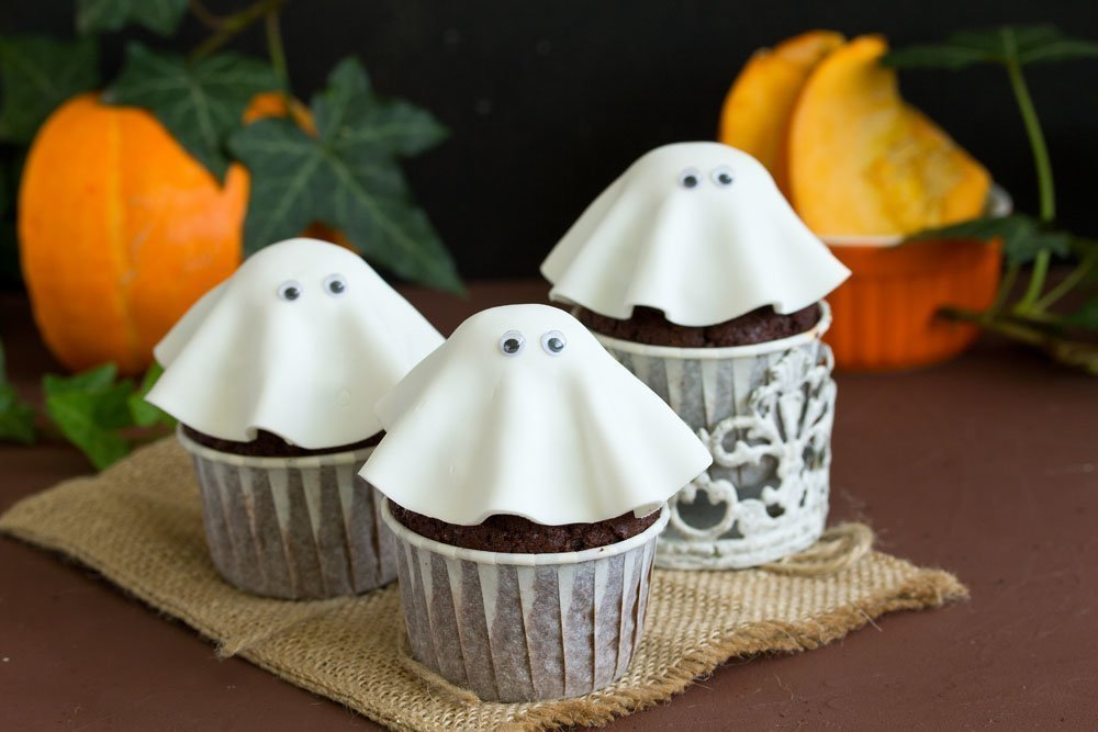 halloween gespenster muffins genius rezeptwelt. Black Bedroom Furniture Sets. Home Design Ideas