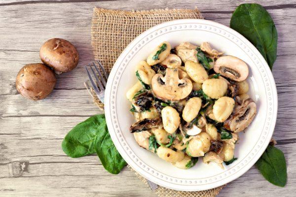 Gnocchi mit Pilz-Spinat-Sahnesauce