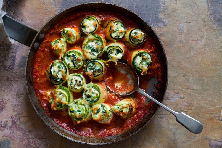 Überbackene Zucchini-Röllchen