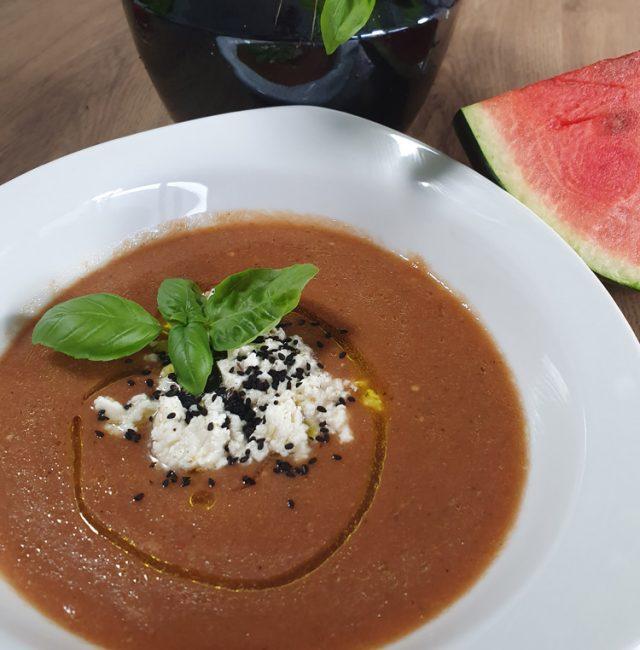 Sommer Gazpacho mit Wassermelone